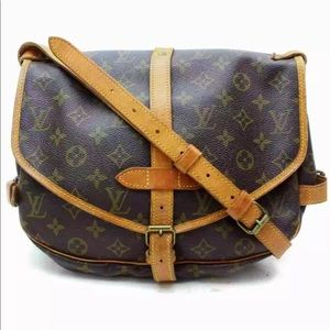 Louis Vuitton Saumur 30 Shoulder/Crossbody Bag 💼